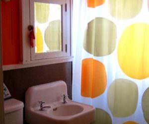 Renkli Desenli Banyo Perde Modelleri