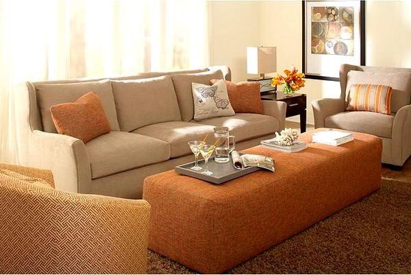 kahve-bej-rengi-oturma-odasi-dekorasyon