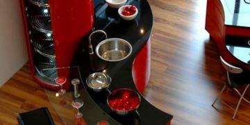 kirmizi-ada-mutfak-tasarimi