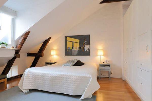 çatı katı ufak yatak odası