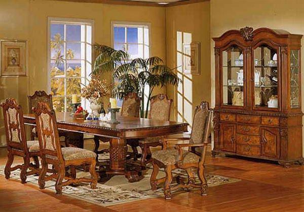 Beautiful Classic Dining Room Interior Design