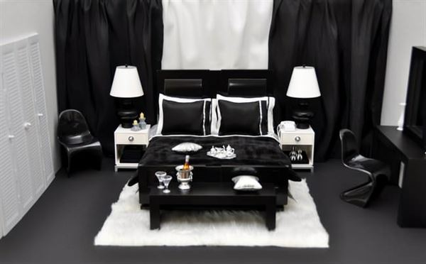 Black-and-White-Themed-Bedroom