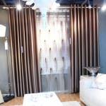 etkileyici dekoratif salon perde modelleri - colorful living room curtain 150x150 - Etkileyici Dekoratif Salon Perde Modelleri