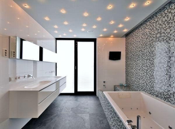 Geniş Modern Lüks Banyo Dekorasyon Modelleri 8