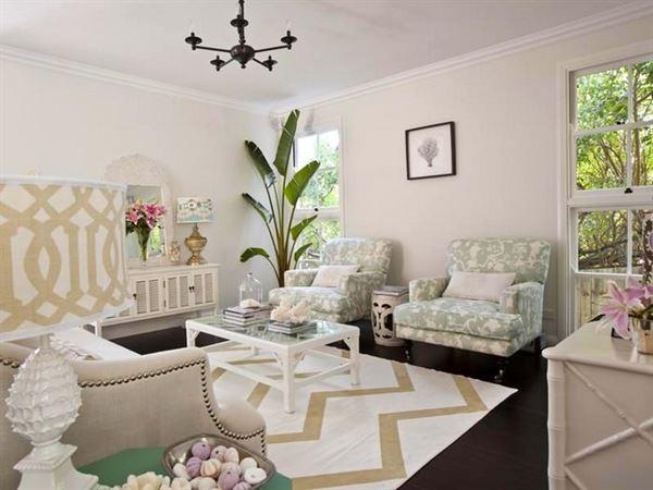 açık renkli dekoratif oturma odası dekorasyon