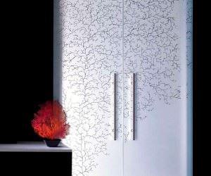 Desenli Ve Renkli Cam Kapı Modelleri