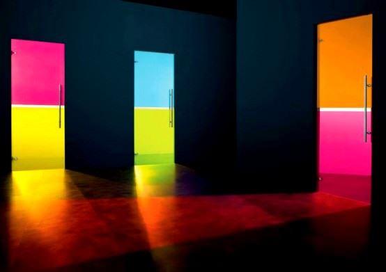 Desenli Ve Renkli Cam Kapı Modelleri 8