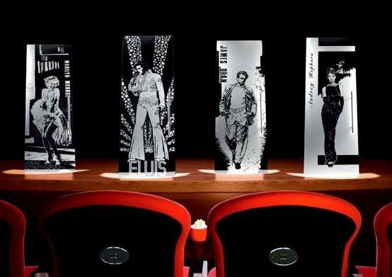Desenli Ve Renkli Cam Kapı Modelleri 9