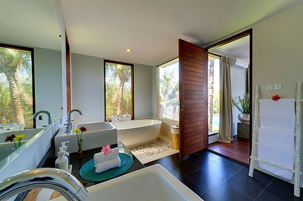 okyanus manzaralı yazlık ev dekorasyonu ve mimarisi - villa banyo dekorasyon - Okyanus Manzaralı Yazlık Ev Dekorasyonu Ve Mimarisi