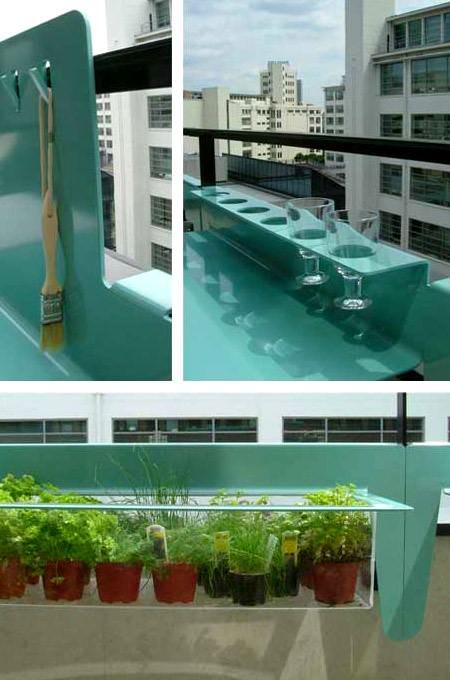 balkon demirine bağlanan bardaklık