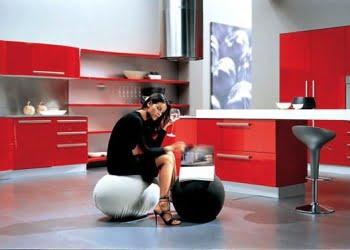 modern raflı kırmızı renk mutfaklar