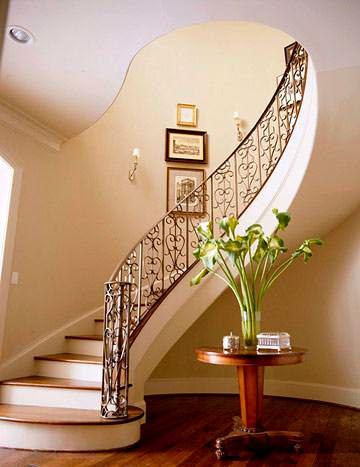 modern-dekoratif-korkuluklu-merdiven