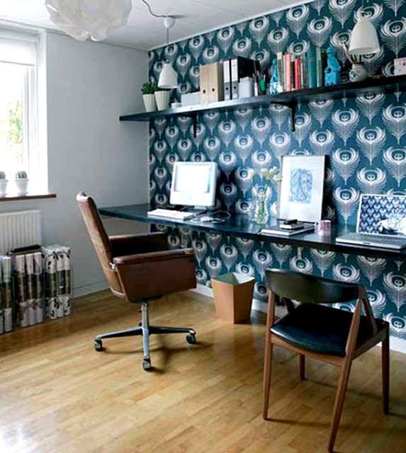 duvara bağlantılı çalışma masası
