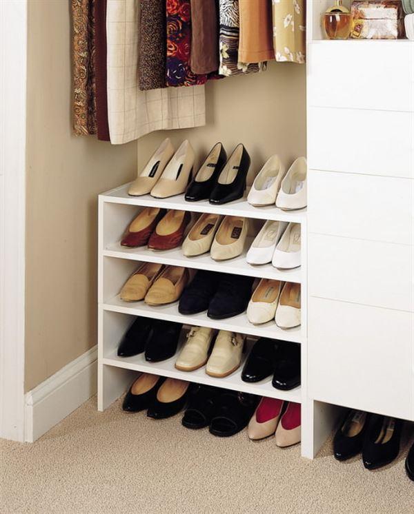 küçük ayakkabılık