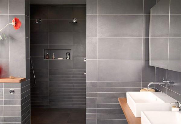 gri fayanslı banyo dekorasyon