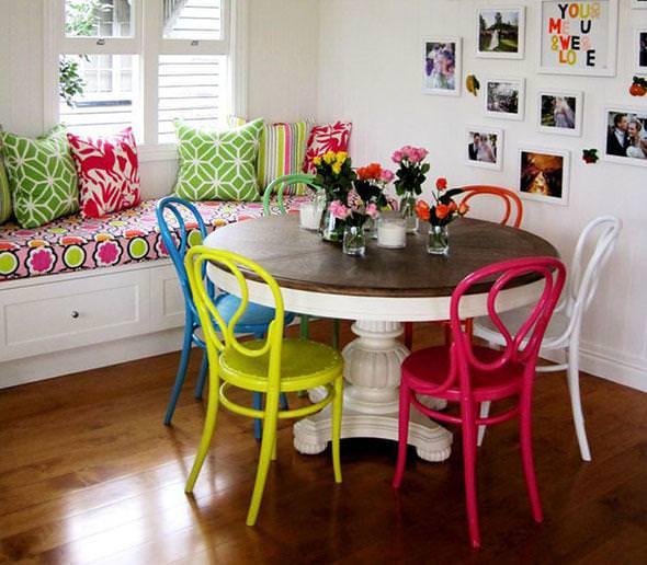 renkli kahvaltı masası