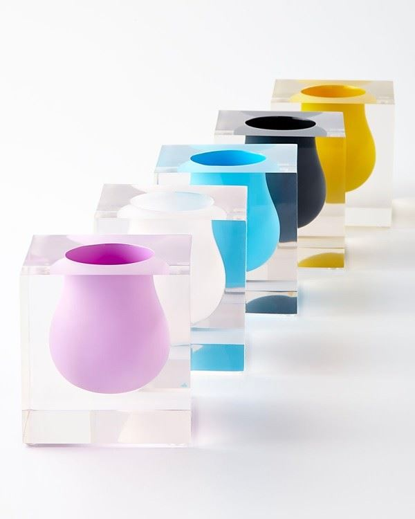 renkli oval vazolar