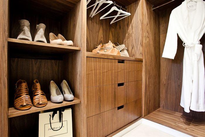 giysi-odasi-ahsap-dolap giysi dolapları ve giysi odası fikirleri