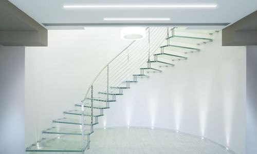 dubleks cam merdiven