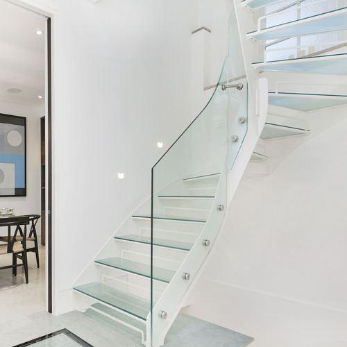 şeffaf cam merdiven tasarımları