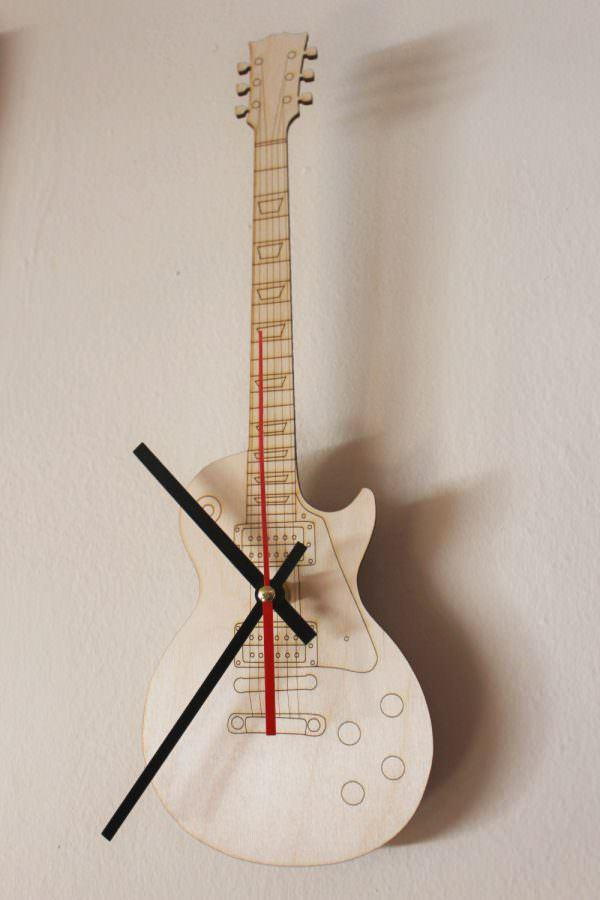 müzik temalı dekorasyon aksesuarları - gitar seklinde saat - Müzik Temalı Dekorasyon Aksesuarları