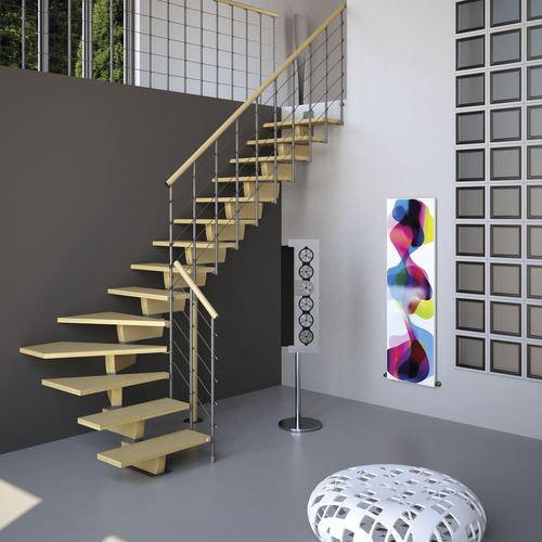 meşe rengi daire merdivenleri