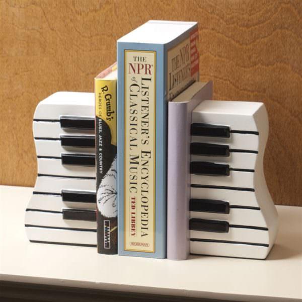 müzik temalı dekorasyon aksesuarları - piano seklinde kitap tutucu - Müzik Temalı Dekorasyon Aksesuarları