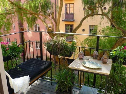 balkon düzenleme küçük balkonlar İçin güzel dekorasyon fikirleri - kucuk balkon guzel dekorasyon fikirleri 1 533x400 - Küçük Balkonlar İçin Güzel Dekorasyon Fikirleri