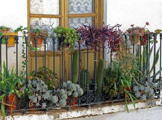 balkon demiri çiçeklik