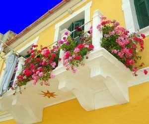 Küçük Balkonlar İçin Güzel Dekorasyon Fikirleri