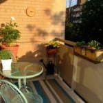 küçük balkon çiçeklik küçük balkonlar İçin güzel dekorasyon fikirleri - kucuk balkon guzel dekorasyon fikirleri 26 150x150