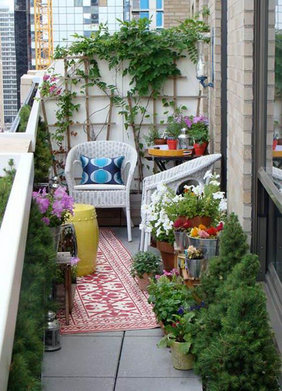 küçük balkon yeşillik