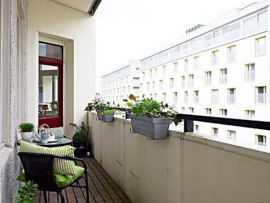 küçük balkon çiçeklik modelleri