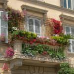 balkon renkli çiçekler küçük balkonlar İçin güzel dekorasyon fikirleri - kucuk balkon guzel dekorasyon fikirleri 32 150x150
