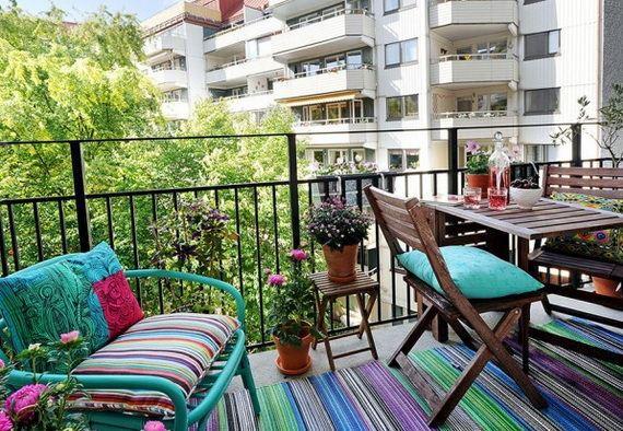 renkli balkon dekorasyon küçük balkonlar İçin güzel dekorasyon fikirleri - kucuk balkon guzel dekorasyon fikirleri 36 - Küçük Balkonlar İçin Güzel Dekorasyon Fikirleri