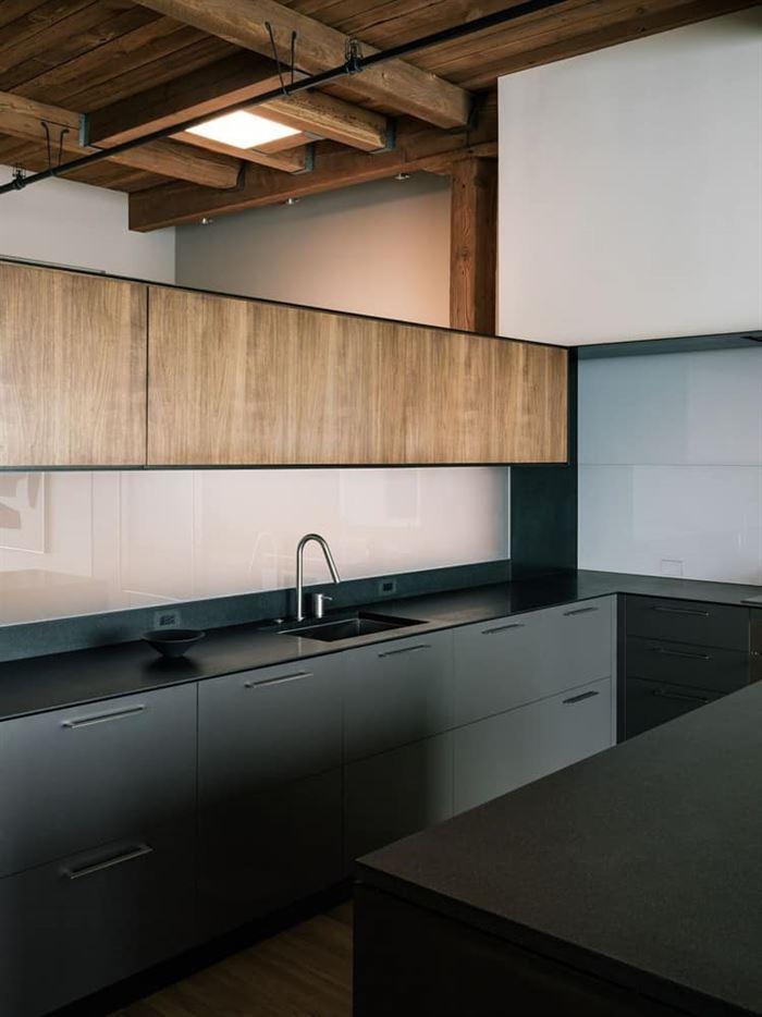 mutfak lavabo arkası cam tasarımları