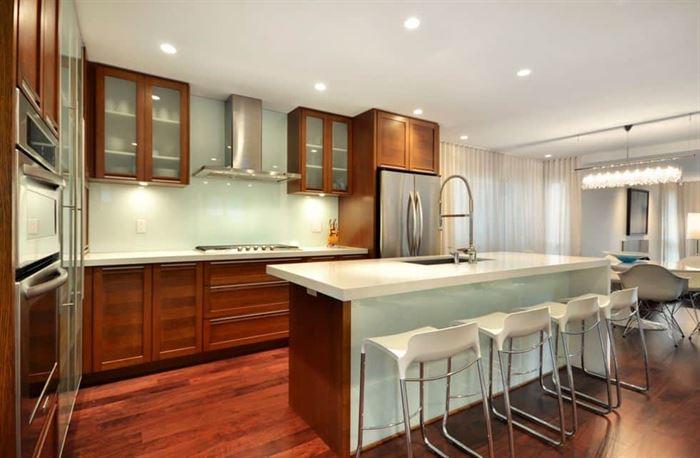mutfak dekorasyonu cam kullanımı