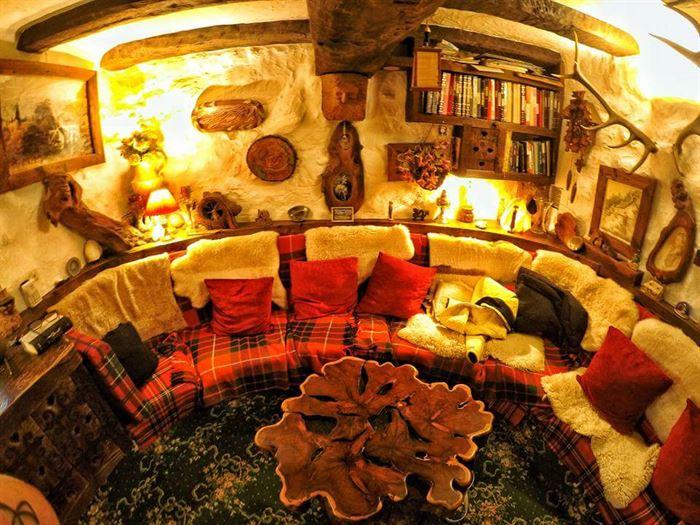hobbit tarzı ev - ilginc tasarimli ev 10 - İlginç Doğal Ahşap Tasarımlı Hobbit Tarzı Ev