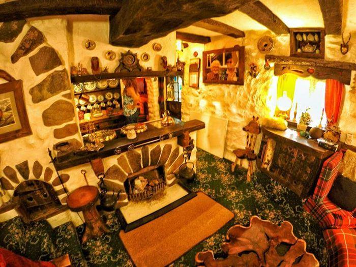 hobbit tarzı ev - ilginc tasarimli ev 11 - İlginç Doğal Ahşap Tasarımlı Hobbit Tarzı Ev
