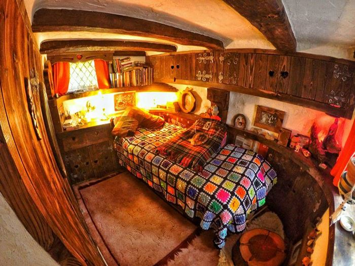 hobbit tarzı ev - ilginc tasarimli ev 16 - İlginç Doğal Ahşap Tasarımlı Hobbit Tarzı Ev
