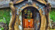 İlginç Doğal Ahşap Tasarımlı Hobbit Tarzı Ev