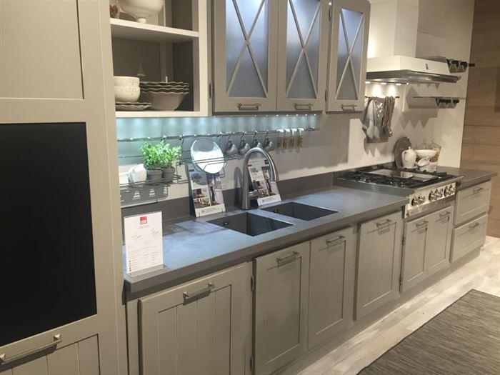 siyah cam dolap kapağı cam kapaklı mutfak dolap modelleri