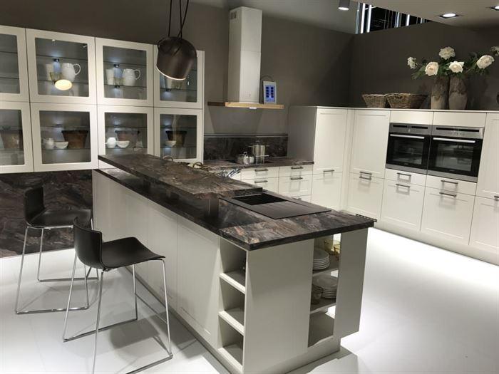 mutfak dolabı camlı modeller