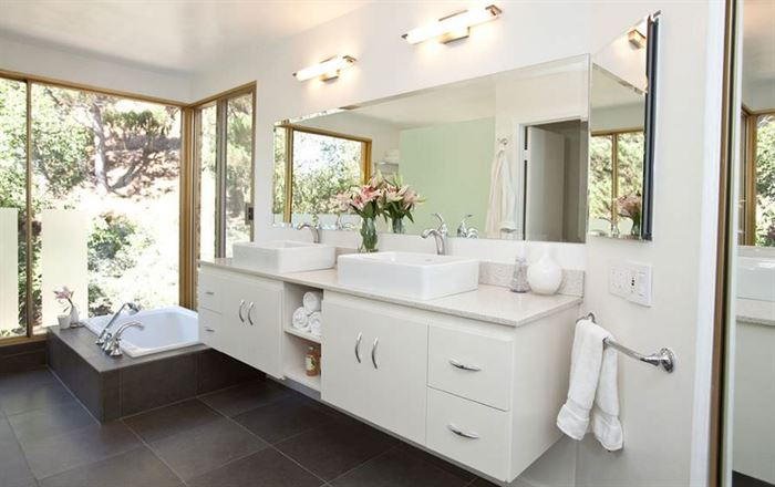 beyaz ferah banyo stilleri