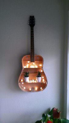 eski-gitarinizi-nasil-raf-sistemine-donusturebilirsiniz eski gitarınızı nasıl raf sistemine dönüştürebilirsiniz - eski gitardan raf sistemi nasil yapilir 2 226x400