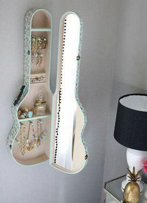 eski-gitarinizi-nasil-raf-sistemine-donusturebilirsiniz eski gitarınızı nasıl raf sistemine dönüştürebilirsiniz - eski gitardan raf sistemi nasil yapilir 3 290x400