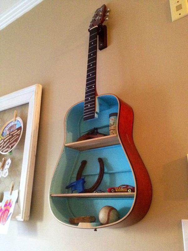 eski-gitarinizi-nasil-raf-sistemine-donusturebilirsiniz