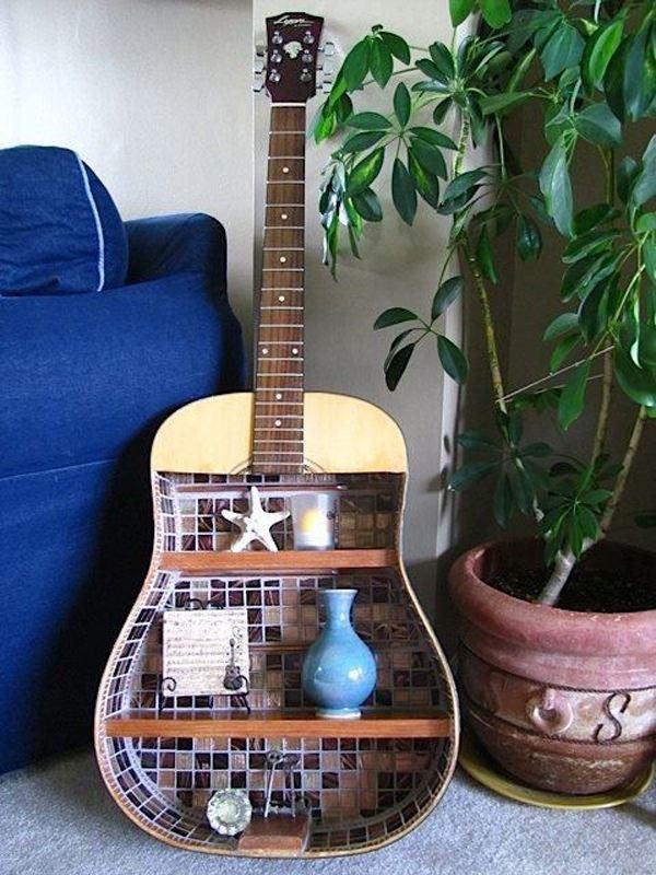 eski-gitarinizi-nasil-raf-sistemine-donusturebilirsiniz gitardan raf yapımı