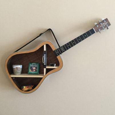 eski gitarınızı nasıl raf sistemine dönüştürebilirsiniz - eski gitardan raf sistemi nasil yapilir 8 403x400