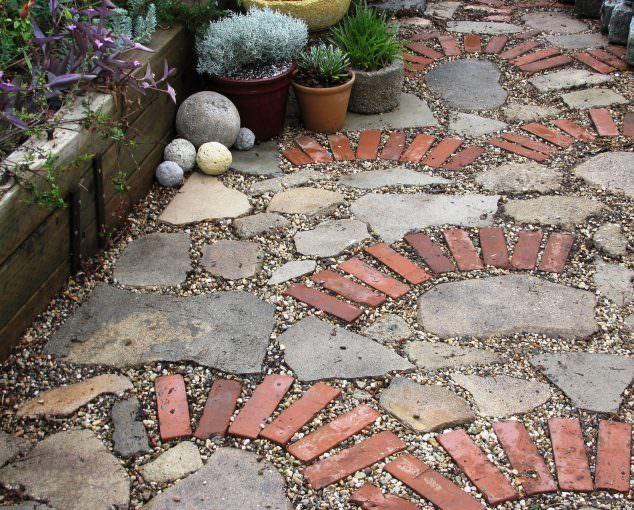 Tuğlalar ile Bahçe Süsleme Fikirleri tuğlalar ile bahçe süsleme fikirleri - tuglalar ile dekoratif bahce susleme fikirleri 11